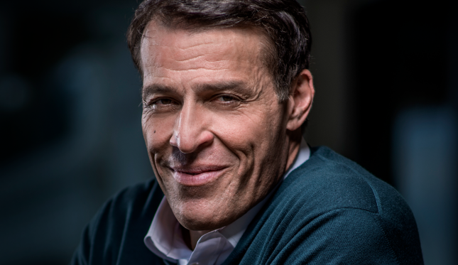What it's like going to a Tony Robbins convention – Jessica Semaan – Medium